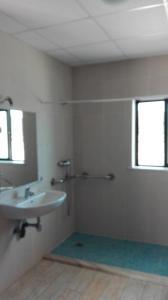 A bathroom at Paisagem do Guadiana Turismo Rural