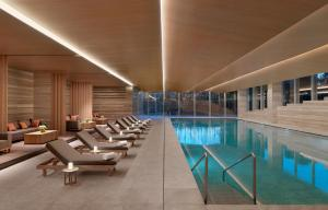 The swimming pool at or close to Hyatt Regency Beijing Wangjing