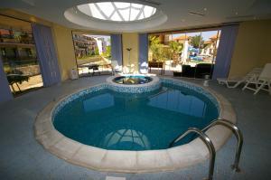 The swimming pool at or near Laguna Beach Resort & Spa