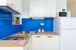 A kitchen or kitchenette at Hedera Estate, Hedera A28