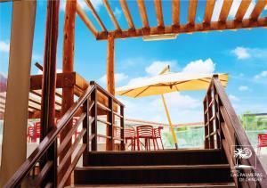 A balcony or terrace at Qallwa Chincha