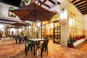A restaurant or other place to eat at Hotel Casa Moreno La Vega