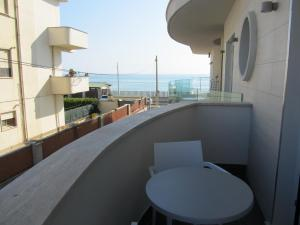 A balcony or terrace at Hotel L'Approdo