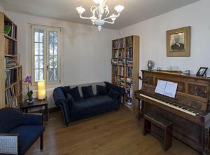 A seating area at Villa Contarini B&B