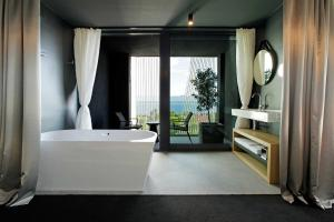 A bathroom at Lifestyle Hotel Vitar - Adults Only