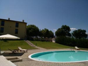 Piscina di Villa Giovina o nelle vicinanze