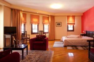 Χώρος καθιστικού στο Ξενοδοχείο Κύναιθα