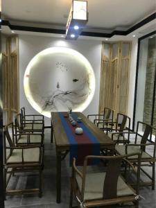 Un restaurante o sitio para comer en Ritan Hotel Downtown Beijing