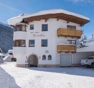 Hotel Garni Feuerstein during the winter