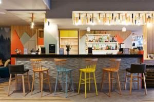 The lounge or bar area at Mercure Annemasse Porte De Genève
