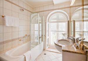 Un baño de Grand Villa Argentina