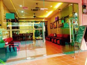 El vestíbulo o zona de recepción de Little India Heritage Villa