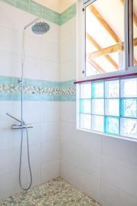 Um banheiro em TAHAA - Villa Tehere Dream