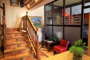 The lobby or reception area at Hostal Trinkete Antxitonea