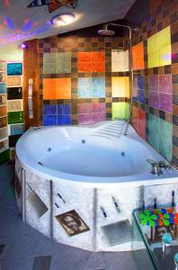 Un baño de Anahuaska Art - Suites Temáticas