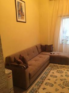 Uma área de estar em Nizami street 95