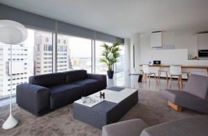 A seating area at Urban Residences Rotterdam