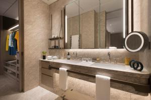 A bathroom at K11 ARTUS
