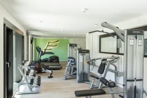 The fitness center and/or fitness facilities at THE FLAG München M.
