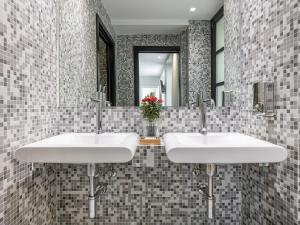 A bathroom at Martini Rooms Castello