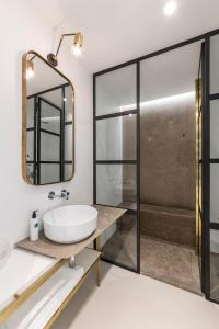 A bathroom at Horti 14 Borgo Trastevere