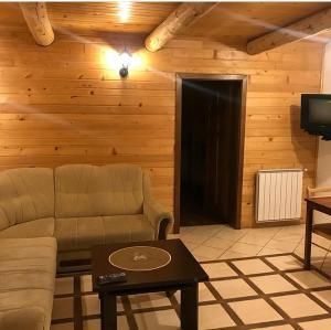 Prostor za sedenje u objektu Villa Popara Kopaonik