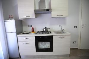 A kitchen or kitchenette at Amalficoastapartment
