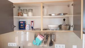 A kitchen or kitchenette at Mühlenberger Ponyhof