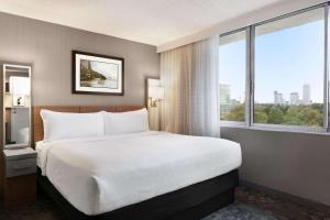 Cama o camas de una habitación en Wyndham Garden at Niagara Falls