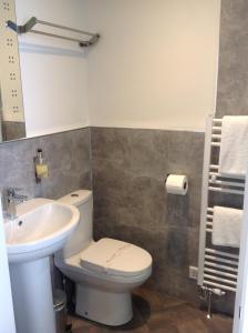 Een badkamer bij Brewery House Bed & Breakfast