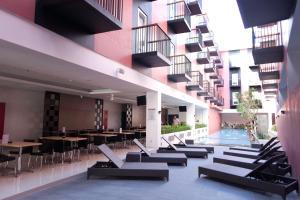 The swimming pool at or close to Amaris Hotel Pratama Nusa Dua