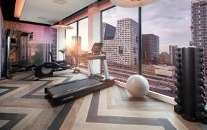 The fitness center and/or fitness facilities at Inntel Hotels Utrecht Centre