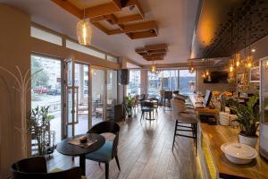 Ресторан / где поесть в Le Marc Guest house