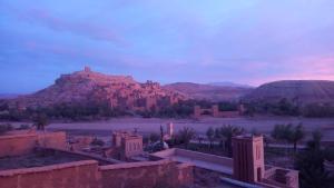 Een algemene foto van de bergen of uitzicht op de bergen vanuit de bed & breakfast