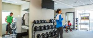 The fitness center and/or fitness facilities at Home2 Suites By Hilton Yakima Airport