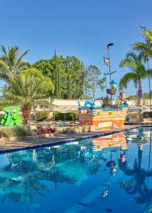 The swimming pool at or near Bourbon Atibaia Resort