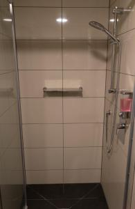 A bathroom at Adventure Q2 Hostel