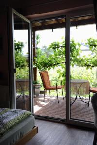 Ein Balkon oder eine Terrasse in der Unterkunft Ferienweingut Wolfgang Adamy