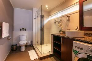 Ванная комната в Absolute Farenden Apartments