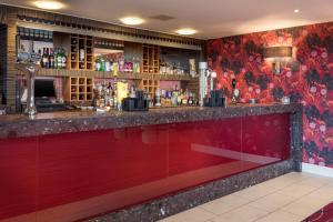 The lounge or bar area at Telford Hotel & Golf Resort - QHotels
