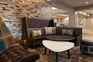 The lounge or bar area at Residence Inn by Marriott Orlando at SeaWorld