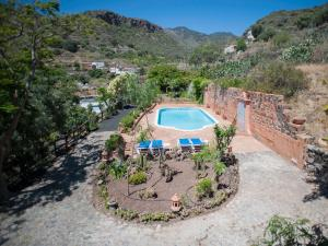 A view of the pool at Casa Vacacional Rural Villa Barranco de los Cernícalos or nearby