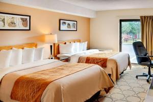 Кровать или кровати в номере Comfort Inn Swift Current