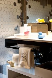 Um banheiro em Monument Hotel