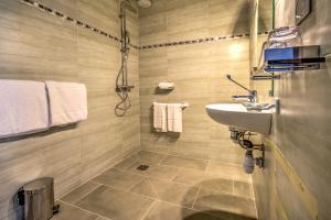 حمام في فندق فيلا كلوديا كان