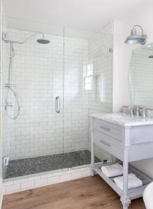 A bathroom at Hideaway Santa Barbara, A Kirkwood Collection Property