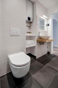 A bathroom at Studio Biritin
