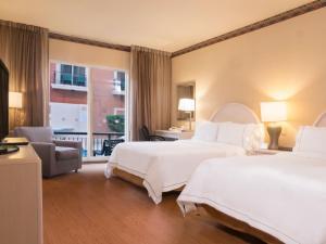 Ein Bett oder Betten in einem Zimmer der Unterkunft Holiday Inn Express - Monterrey - Tecnologico, an IHG Hotel