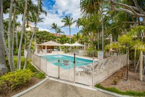 The swimming pool at or near Miami Beachside Holiday Apartments