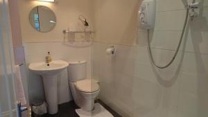 A bathroom at geordie pride lodge